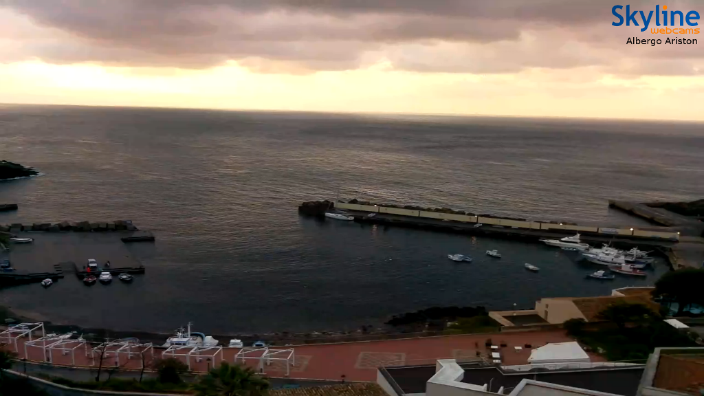 Vista porto dalla Webcam