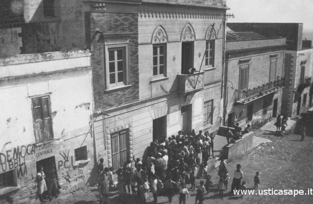 Ustica, protesta al comune