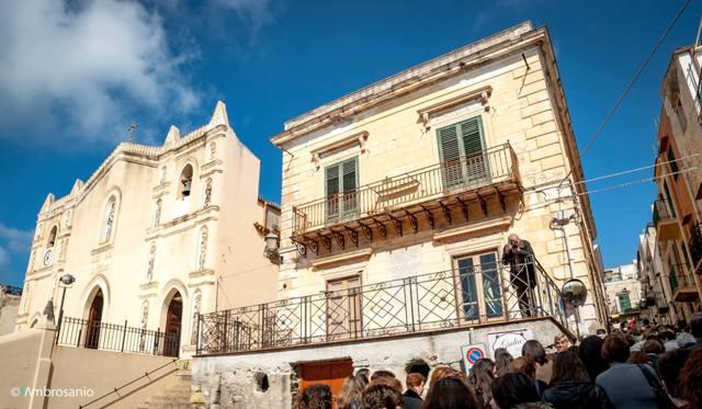 Ustica, Parrocchia San Ferdinando Re