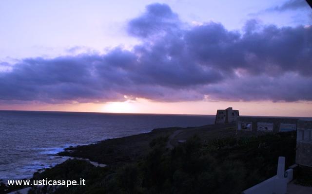 Ustica, tramonto dallo Spalmatore