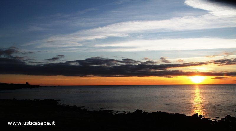 Ustica, tramonto, spalmatore