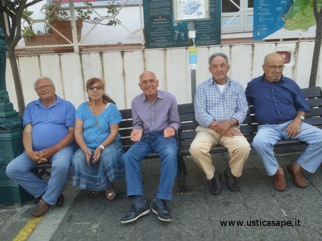 la panchina dei pensionati