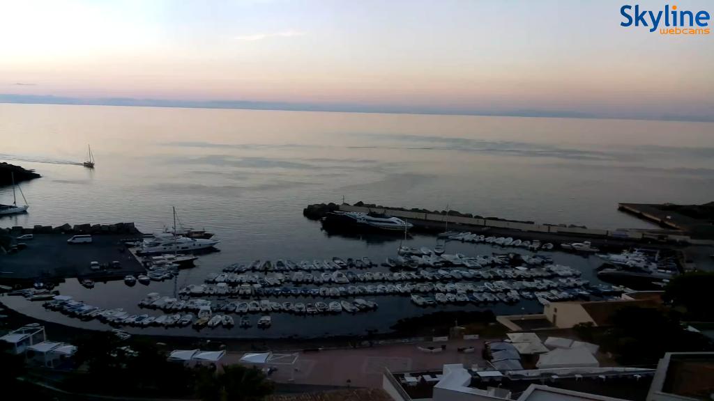 Collegamenti marittimi regolari Ustica  2016-08-19 06.25.21