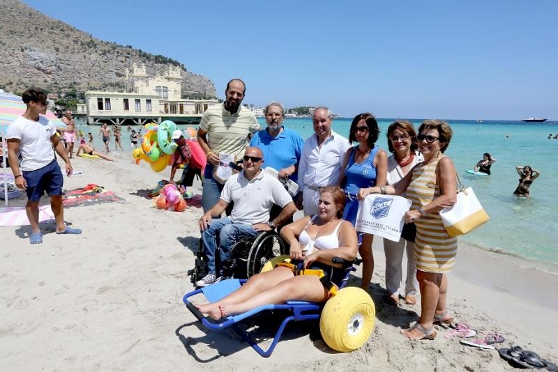 Palermo 4�82015 ( FOTO PETYX PALERMO) Mondello presentazione sedia per i disabili