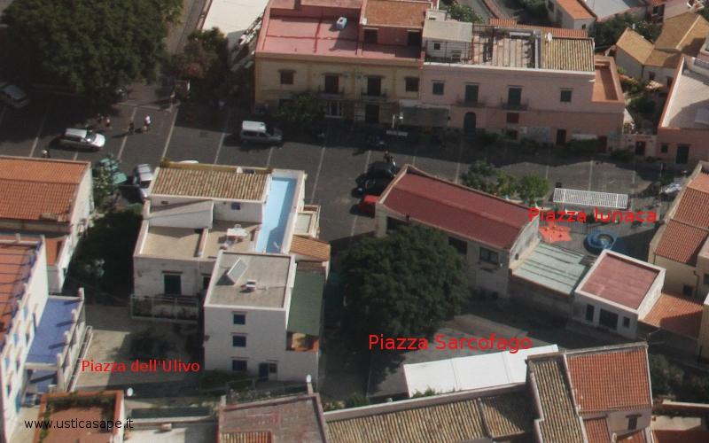 Ustica, le tre villette (Sic!) anche dall'alto sono un brutto impatto ambientale