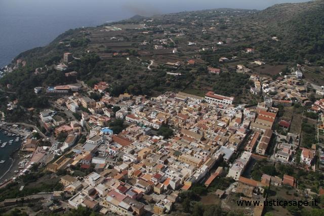 Ustica, panorama dall'alto