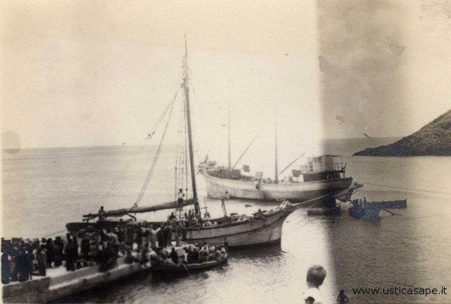 Due velieri carichi di merche straordinaria
