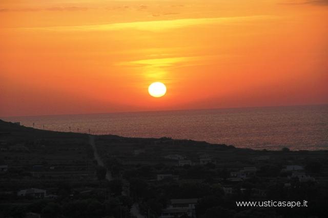 Ustica, Tramontana al tramonto