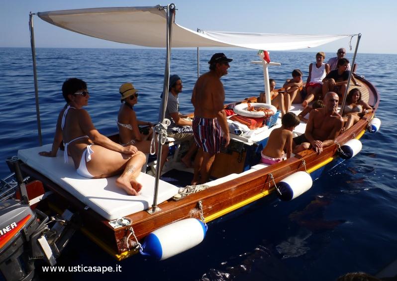 Ustica, giro dell'Isola in barca
