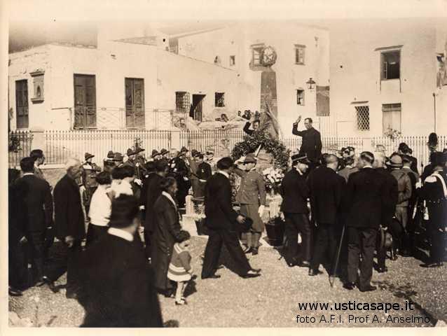 f-s-012-21-nov-1929-cerimonia-al-monumento-dei-caduti