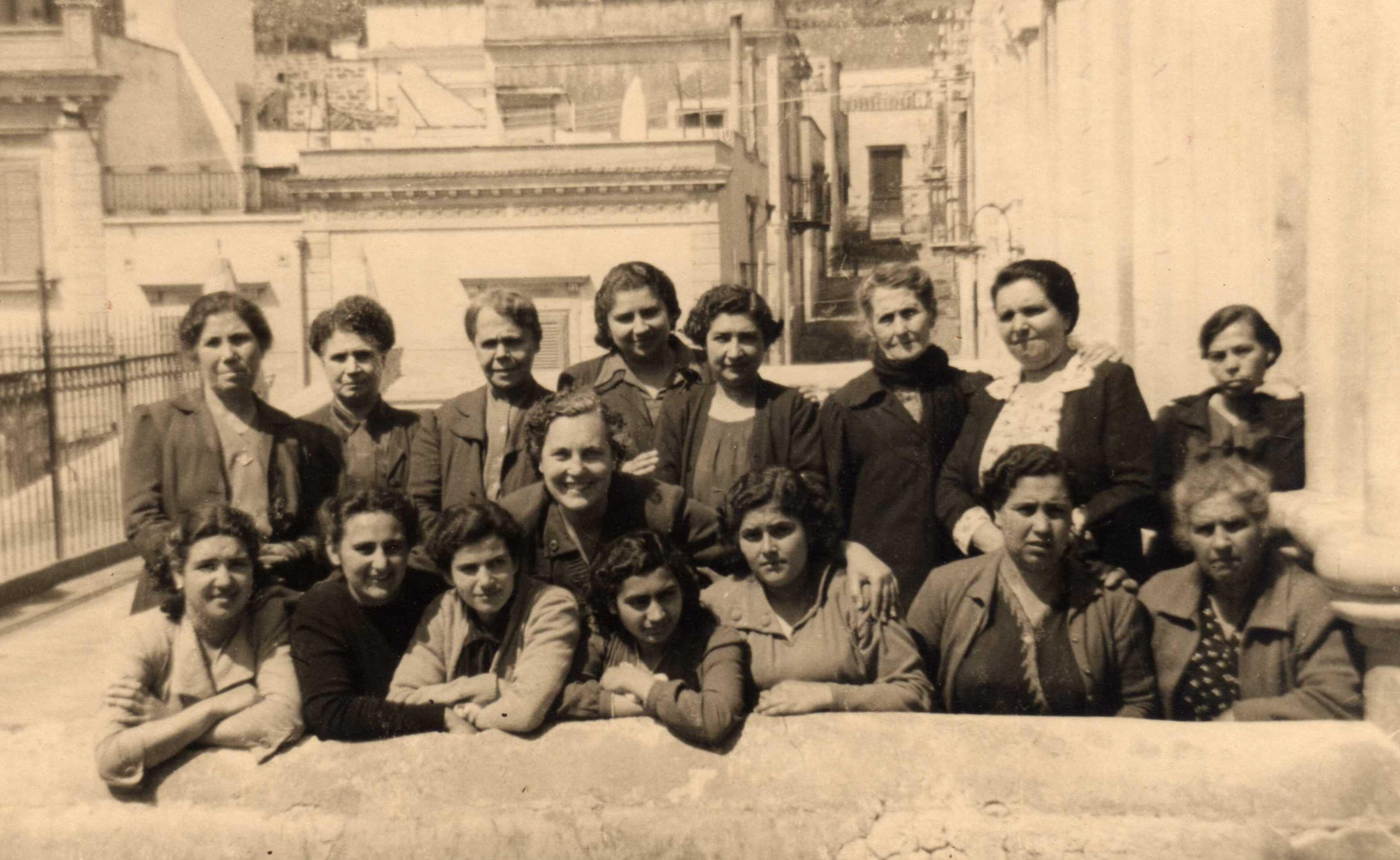 f-a-3750-donne-dellazione-cattolica-1953