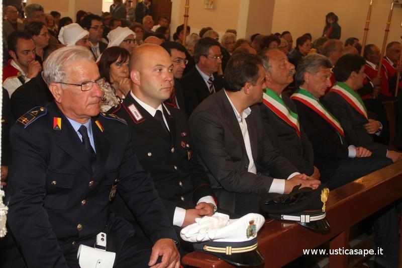 Messa solenne alla presenza di autorità civili e militari