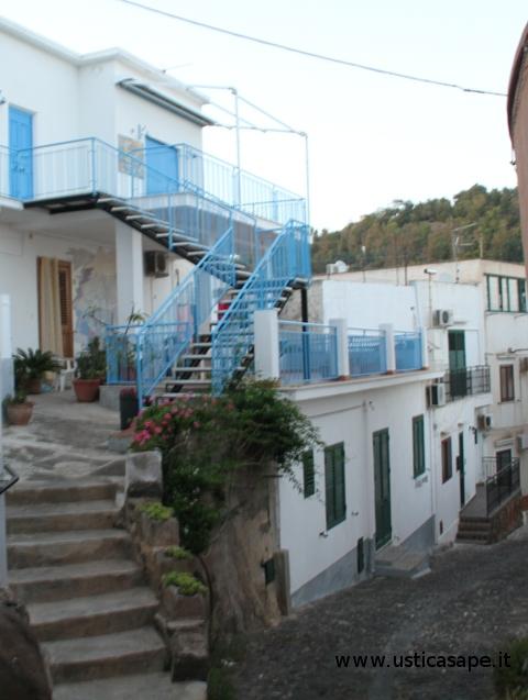 Ustica, casa Maggiore angolo Via Croce