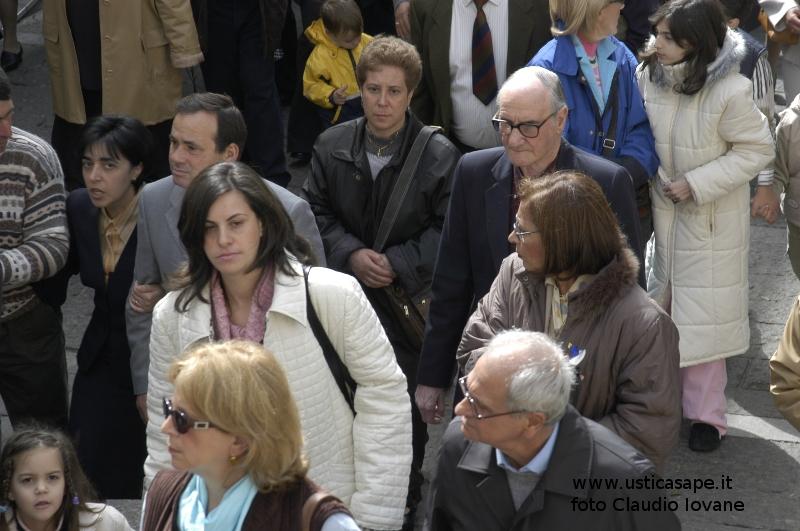 a seguito della processione - Pasqua 2004