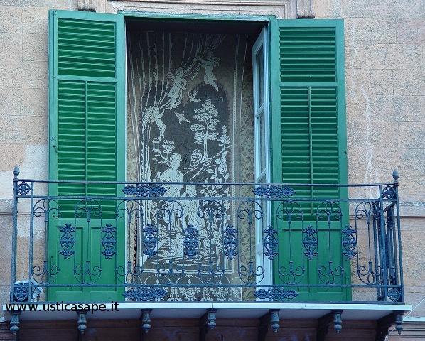 Ustica, tipici balconi
