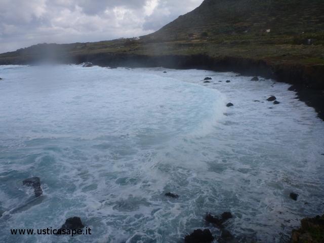 Cala sidoti mare molto mosso