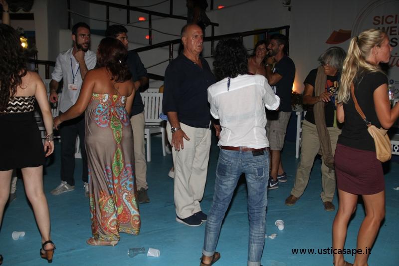 Serata danzante al faraglione
