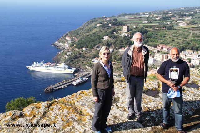 Foto ricordo turisti arrivati con nave da crociera VISTAMAR