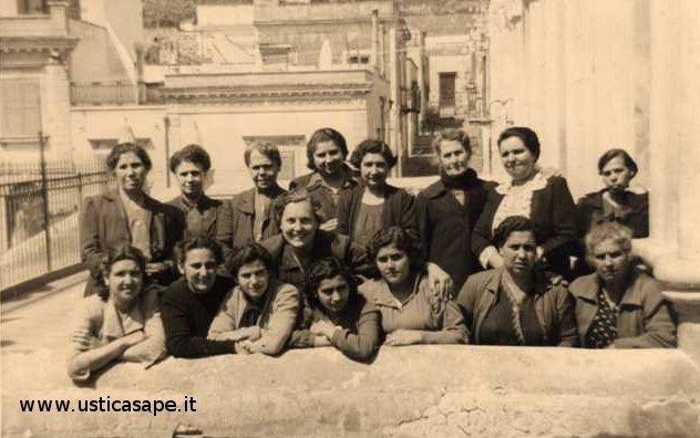 Ustica, Donne dell'Azione Cattolica - fine anni '50