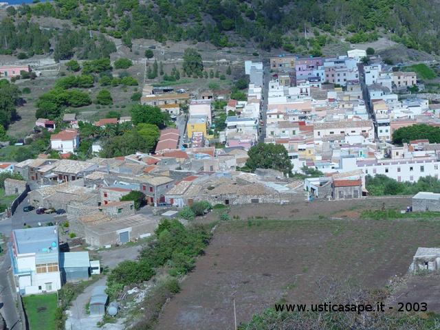 Ustica, panorama visto dal boschetto - 2003