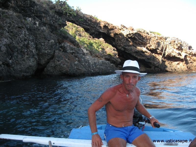 Il popolare e attivo Giuseppe il barcaiolo di Ustica