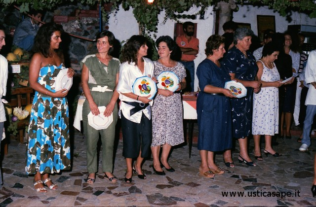 premiazione per la preparazione di piatti nel rispetto della cucina locale.