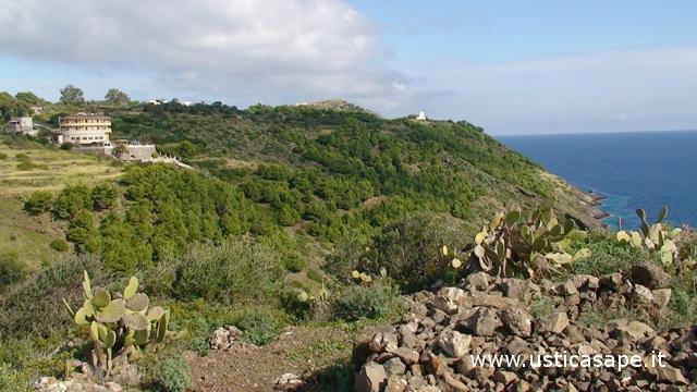 Sentiero del Mezzogiorno con hotel Diana e Mulino e Vento
