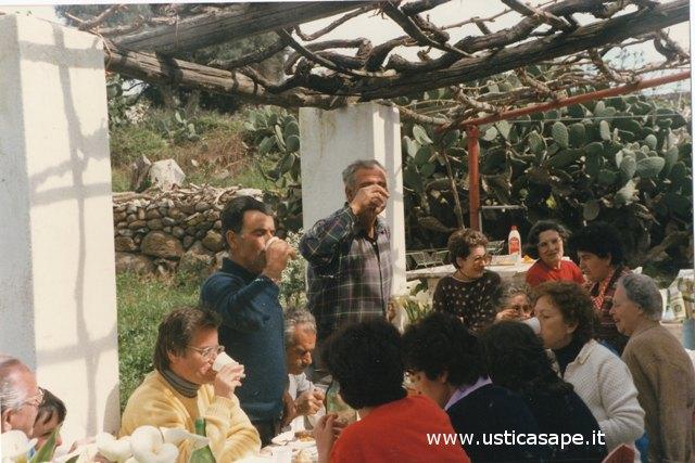 Ustica, Pasquetta in campagna con amici e parenti