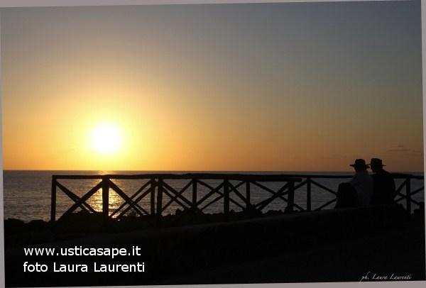 Ustica, aspettando il tramonto