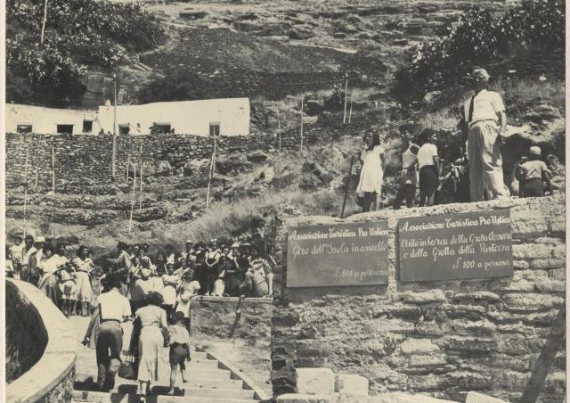 Ustica, arrivo dei primi turisti