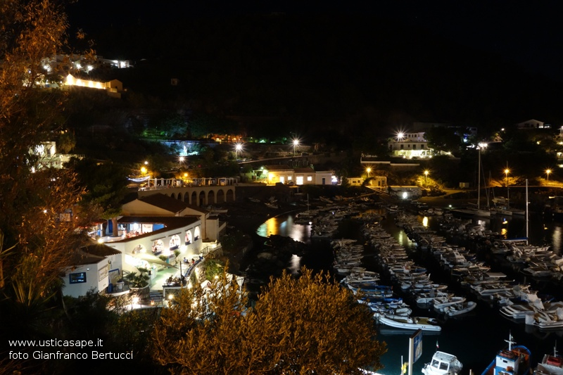 Ustica, Cala Santa Maria  in agosto