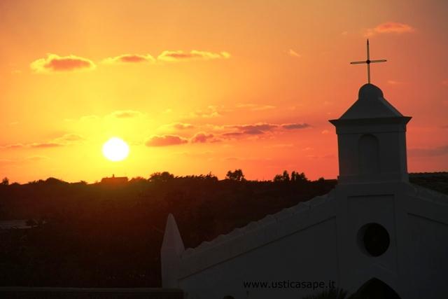 Ustica, tramonto dal Cimitero