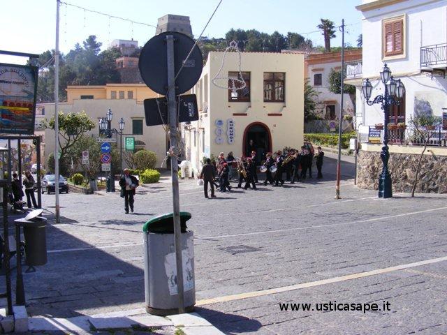 La banda musicale in giro per le vie di Ustica 2008