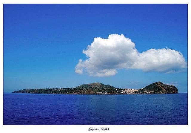 Ustica arrivando da Palermo con la nave
