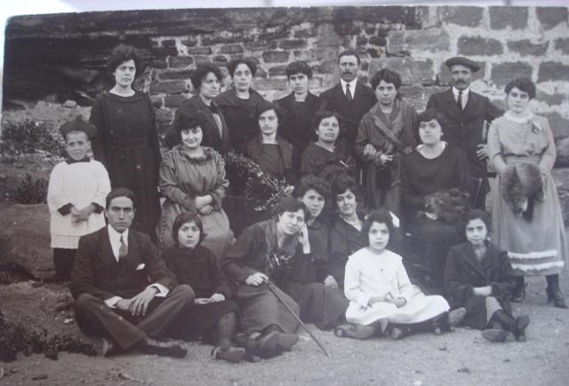 foto ricordo di gruppo anni '60