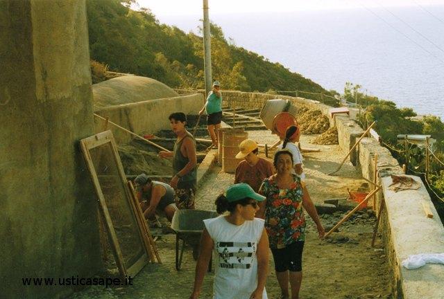 Cantiere scuola per sistemazione strada belvedere Calvario