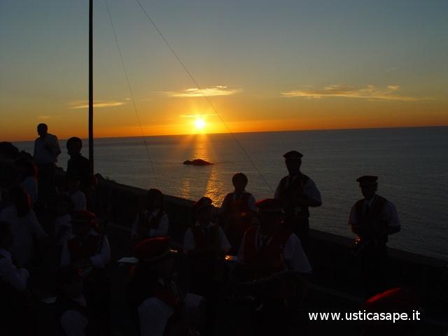 Ustica,  Banda musicale al tramontp