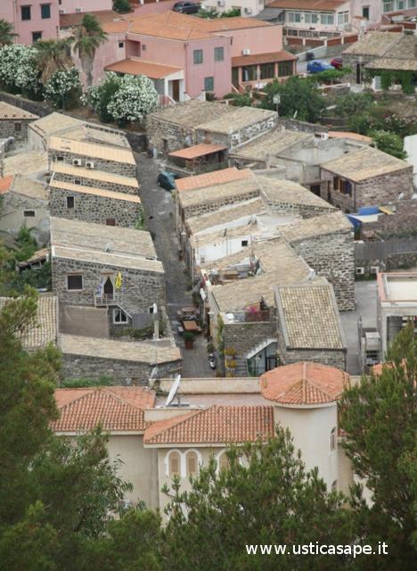 Ustica, case vecchie, via Tre Mulini