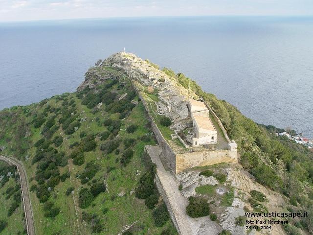 Ustica, Rocca della falconiera dall'alto