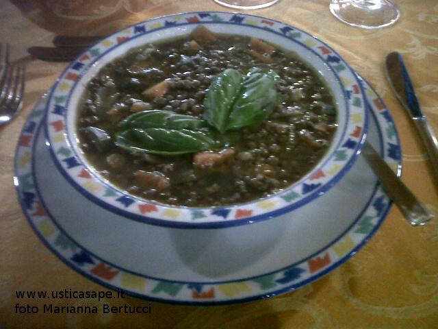 zuppa di lenticchie  di Ustica per cena