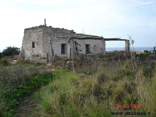 Ustica, caratteristica casa di campagna