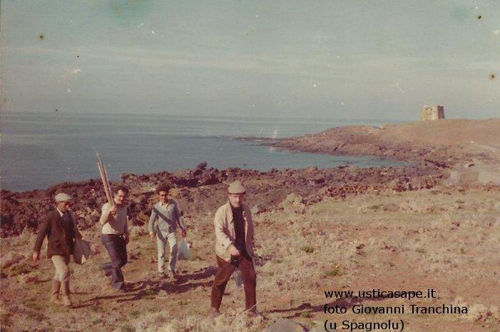 Ustica, giornata di pesca con la canna fortunata