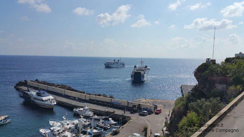 Arrivo e partenza navi