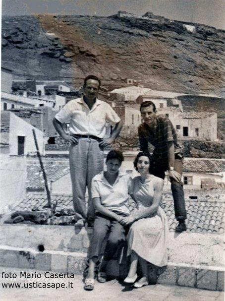 Ustica, foto sui tetti - La Valle - Caserta