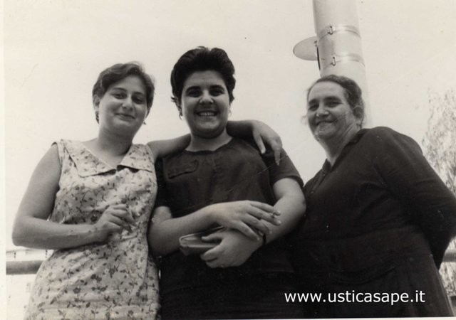 Anna Maria, Orsola e nonna Teresa