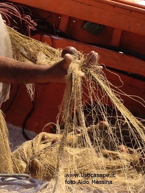 Ustica, sistemazioni reti da pesca
