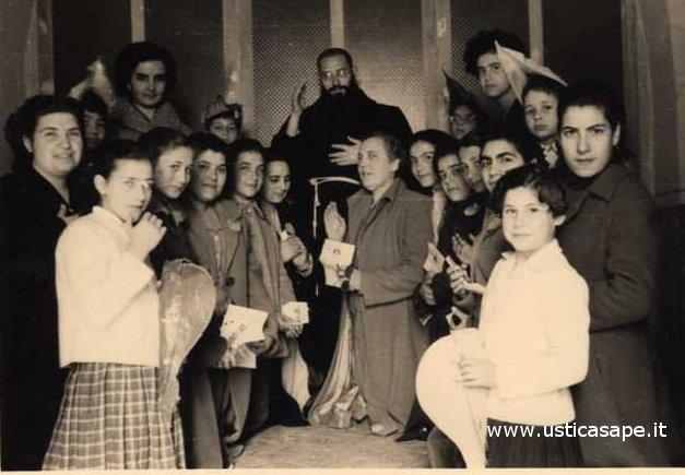 Donne dell'Azione Cattolica riunite in preghiera