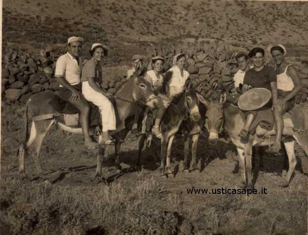 Ustica, giro dell'Isola con gli asinelli, momenti di riposo