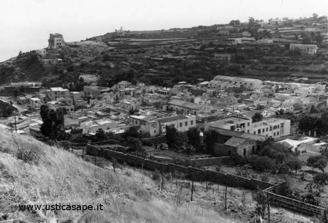 Ustica, panorama visto salla Falconiera