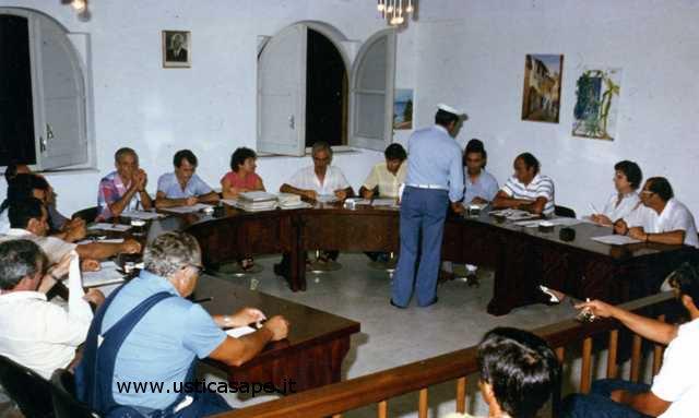 Ustica, consiglio comunale di qualche anno fa